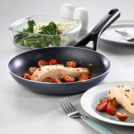 Pyrex Gusto Black Diamond Frying Pan 24cm