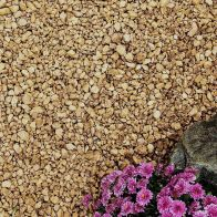 See more information about the Cotswold Decorative Chippings 20mm 900kg Bulk Bag