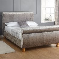 See more information about the Chicago Grey Crushed Velvet Kingsize 5ft Bedstead