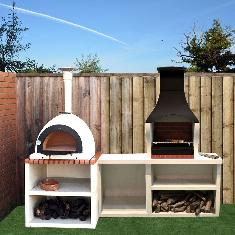 Outdoor ovens & kitchens